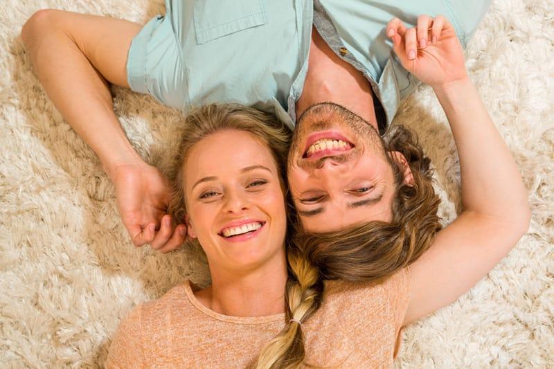 Chiromantija: ar judu tinkate vienas kitam pagal rankų pirštus ir delnų linijas