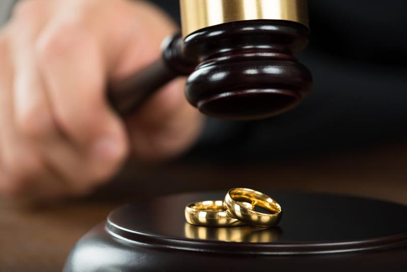 10 faktų apie skyrybas, kuriuos reikia žinoti prieš tuokiantis