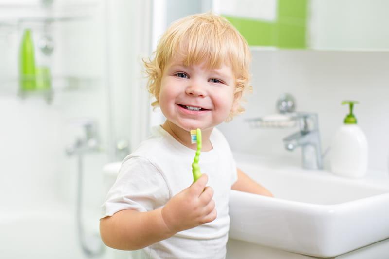 Kaip motyvuoti vaiką valytis dantukus?